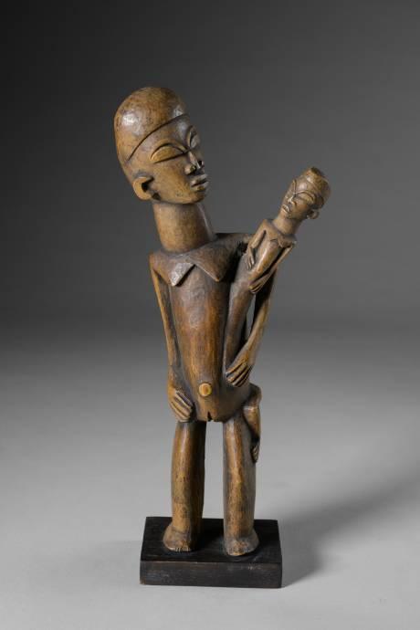 Lobi, maternity statue