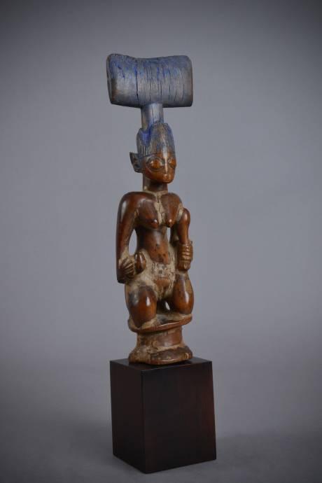 Yoruba, Kneeling Oshe Shango