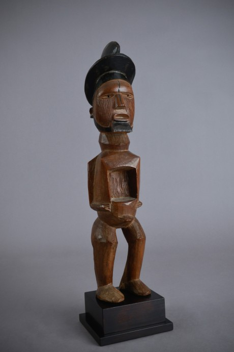 Teke, Butti statuette
