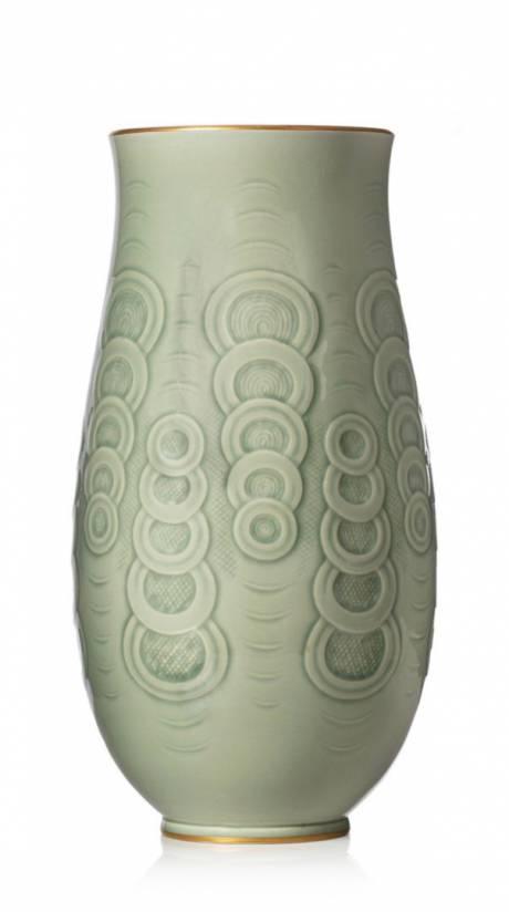 Manufacture de Sèvres, Vase ovoïde à col évasé.