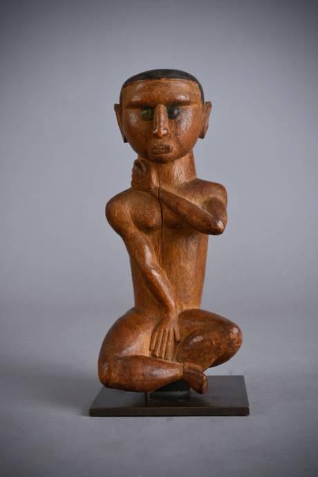 Bidjogo,  statuette of a young girl