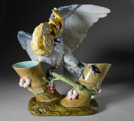 Paul Comoléra, perroquet en céramique polychrome.